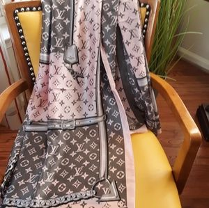 ❤Large silk pink-gray LV scarf 70×35